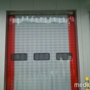kurtyna PVC zewnętrzna standard, skrajne pasy czerwone