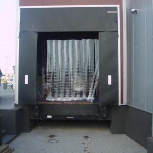 kurtyny paskowe zewnętrzne z folii PVC 300x3 mm STANDARD, rampa załadunkowa