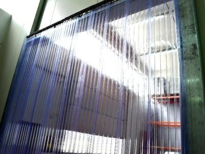 Kurtyna foliowa wzmocniona dla przejazdu wózków widłowych