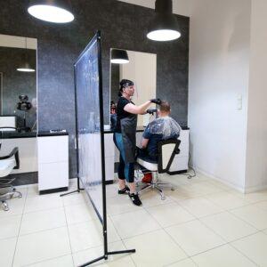 ekran ochronny do zakładu fryzjerskiego